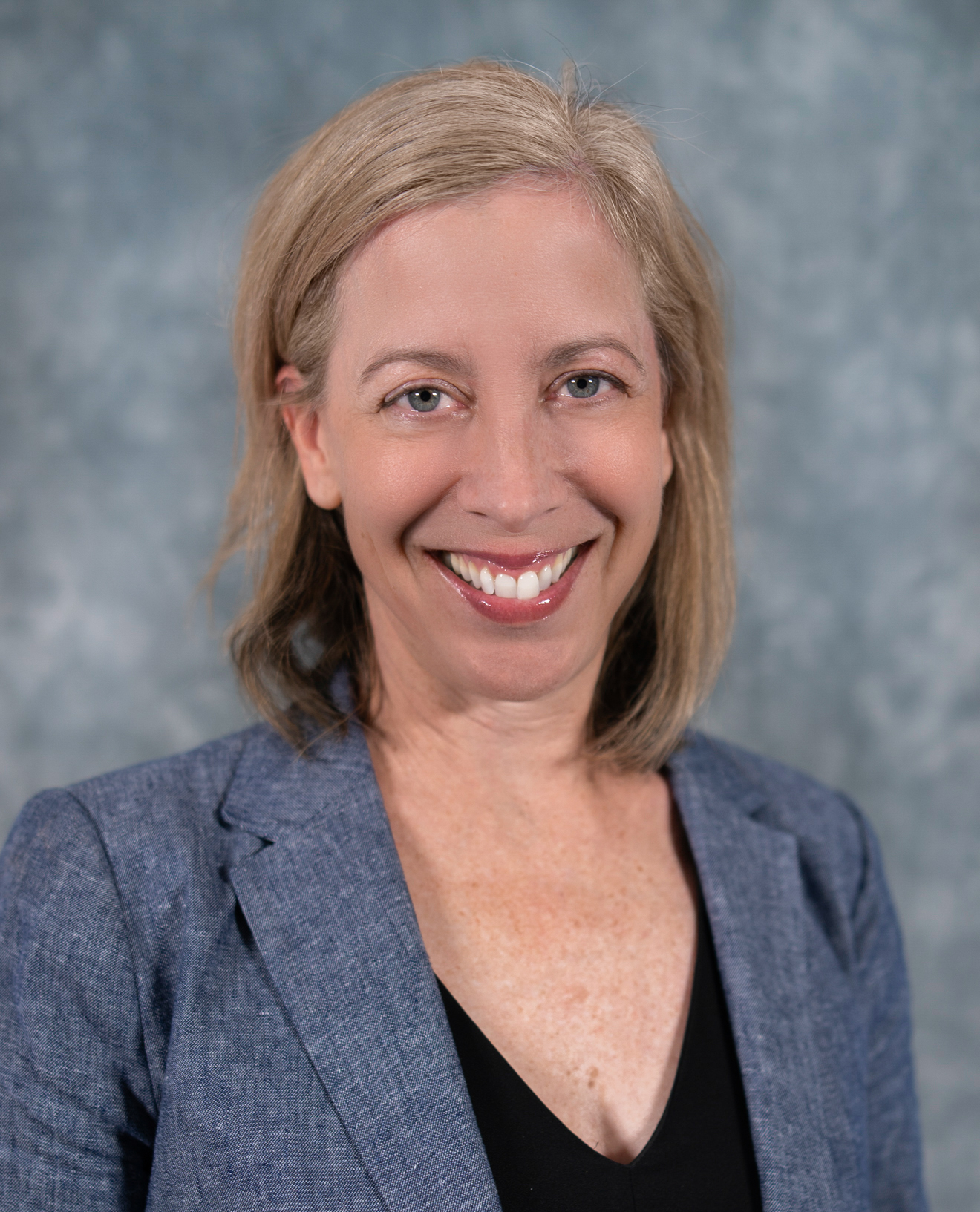 Profile Picture of Leslie Schipani-Anderson